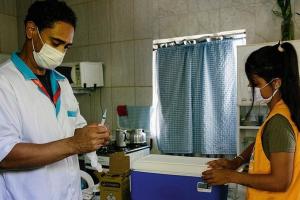 A vaccination team in Maricá Foto: Kristin Bethge / DER SPIEGEL